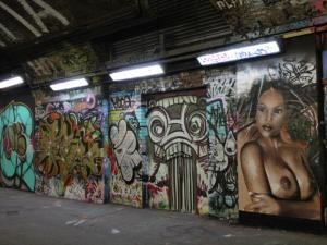 Insolite à Londres :: The Banksy Tunnel, la Mecque du graffiti et du street-art - par travelmehappy