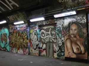 Insolite à Londres :: The Banksy Tunnel, la Mecque du graffiti et du street-art - par travelmehappy