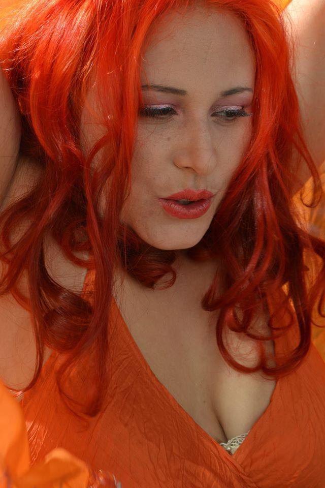 http://www.funkyhairdye.co.nz/buy-product/hair-dye/tangerine.html