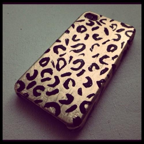 Metallic gold leopard iphone case