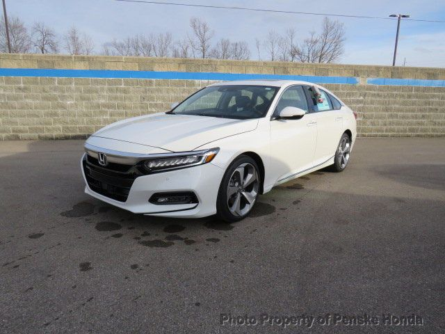 Used 2018 Honda Accord Touring 2 0t Automatic Touring 2 0t Automatic New 4 Dr Sedan Automatic Gasoline 2 0l 4 Cyl Platinum Whi 2018 Honda Accord Touring Honda Accord 2018 Honda Accord