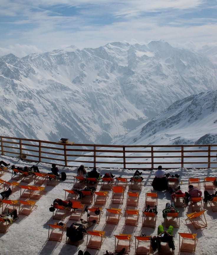 Stunning view at the terrace on top of the Gaislachkogl - #SOELDEN, Austria