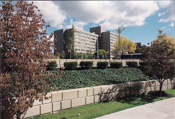 Unilock - Unilock - Unilock - Woodbury Commons Mall with Lineo Dimensional Ston
