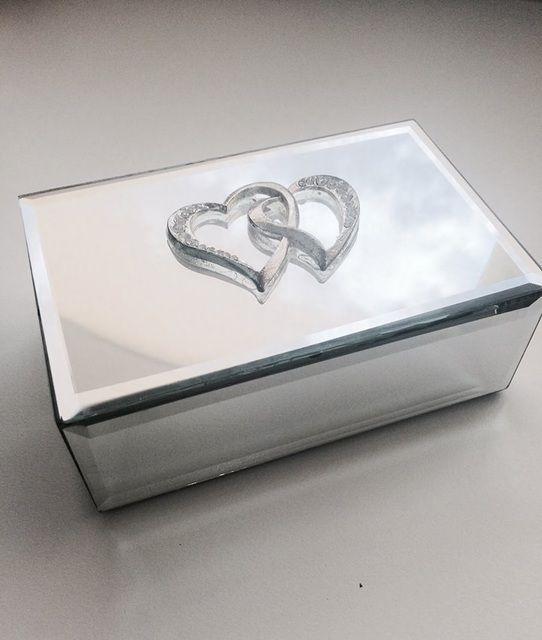 Mirrored Jewelry Box - Heart Decor  H: 5.00 W: 13.00 D: 8.50 (cms)