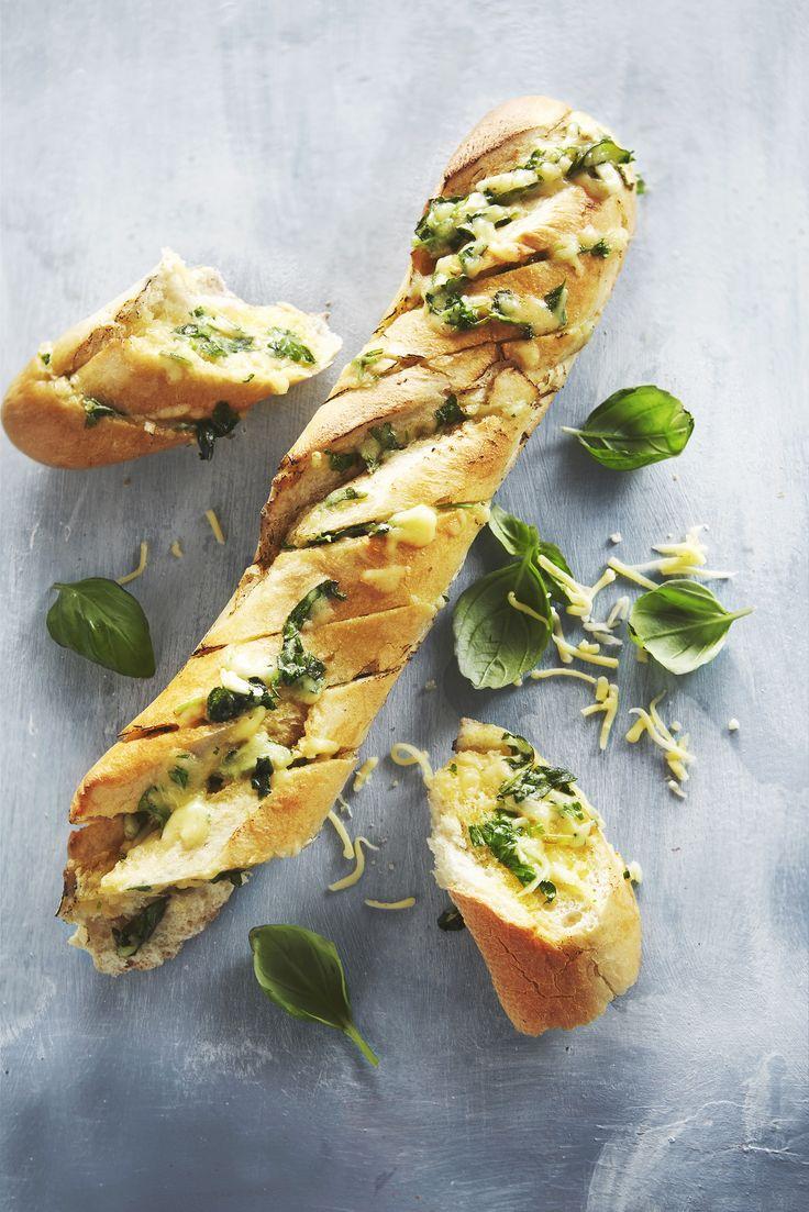 Boodschappen - Stokbrood met kruidenboter en kaas