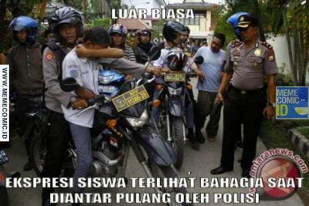Sangat luar biasa Ekspresi dari siswa yang bahagia karena diantar pulang oleh polisi - Pram from https://www.pram-software.com | #meme #indonesia #pelajar #polisi