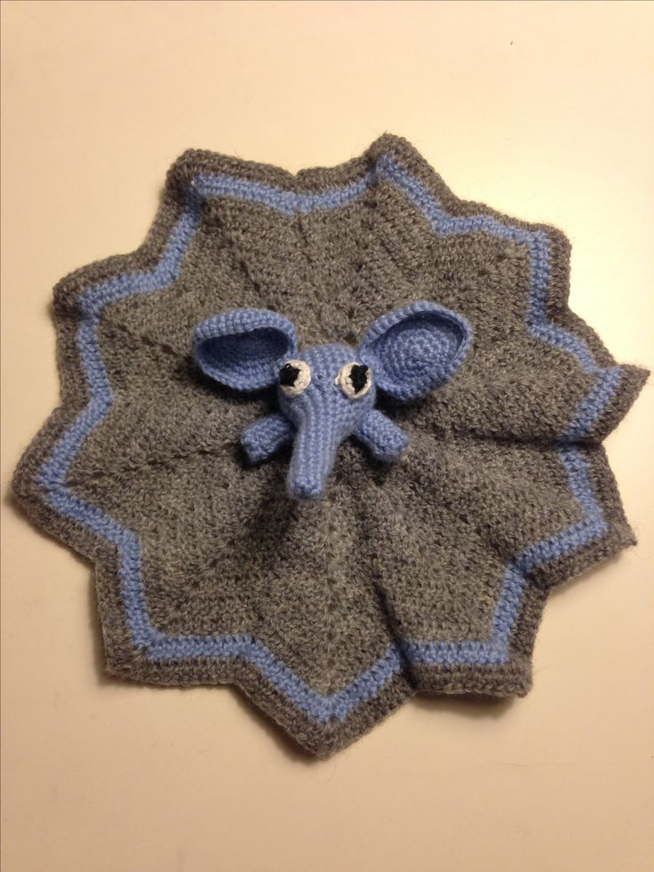 Security blanket 👶🏼💙 - Made by Mikie hjelm