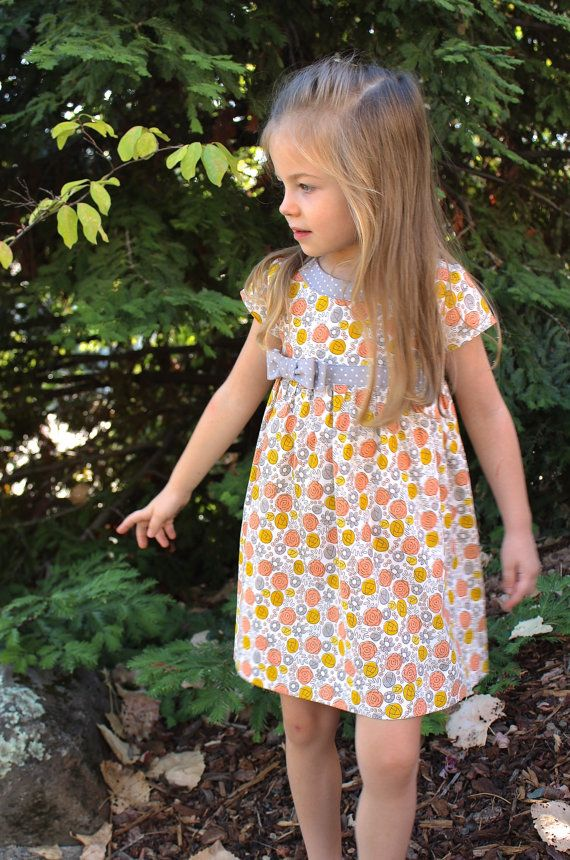 GIRLS DRESS PATTERN The Lillie Mae Dress sizes por TheFreckledPear