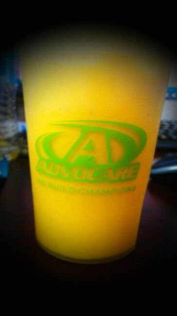 Smoothie of the Day ¦ Fruity Summer:  1 handful frozen tropical fruit  1 Advocare Vaniilla Meal replacement shake 1 Advocare Mandarin Orange Spark packet/scoop  A healthy and filling breakfast or lunch to keep you going!