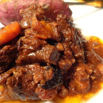 Caribische stoofschotel met cacao en pepers