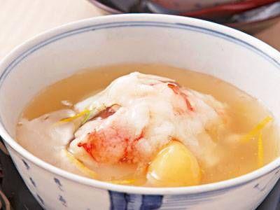 神田 裕行さんのかぶを使った「かぶら蒸し」のレシピページです。蒸した具材のやさしい甘み、柚子の香りのトロリとしたあんがおいしい。今回は小かぶで手軽につくります! 材料: かぶ、A、つくね芋、具、あん