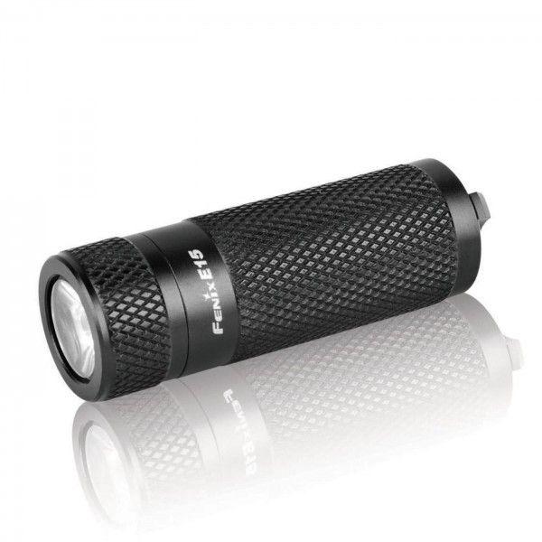 Linterna Fenix E15, con 140 lumenes. Ilumina a 89 metros de distancia. Dura 30 horas con 1 bateria CR123A
