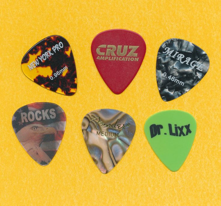 how to make a guitar pick out of a coin