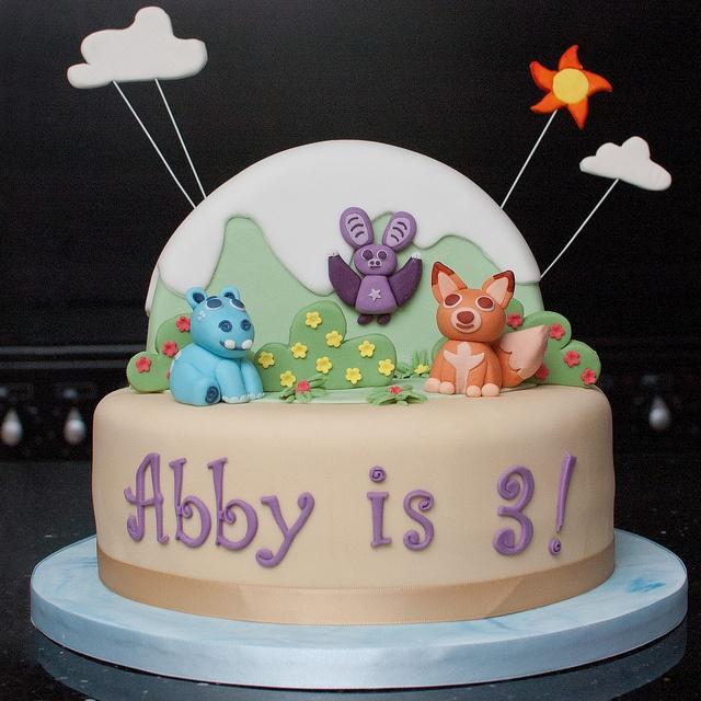 Abadas cake by Mrs Mac's Creative Cakes, via Flickr