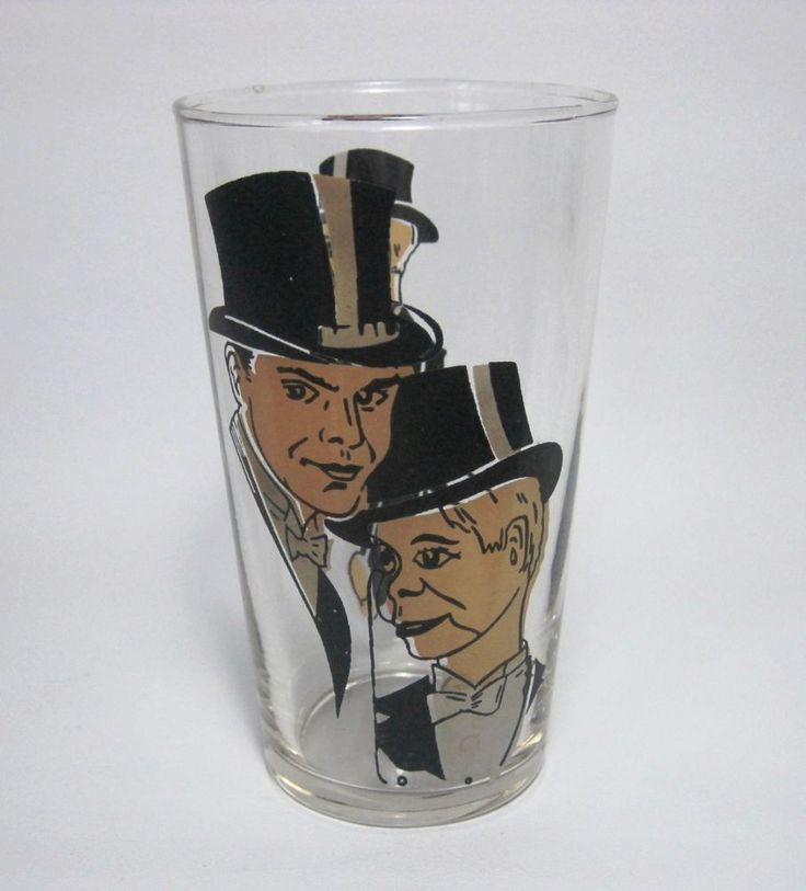 RARE VINTAGE  CHARACTER GLASS - EDGAR BERGEN & CHARLIE MC CARTHY  1930'S