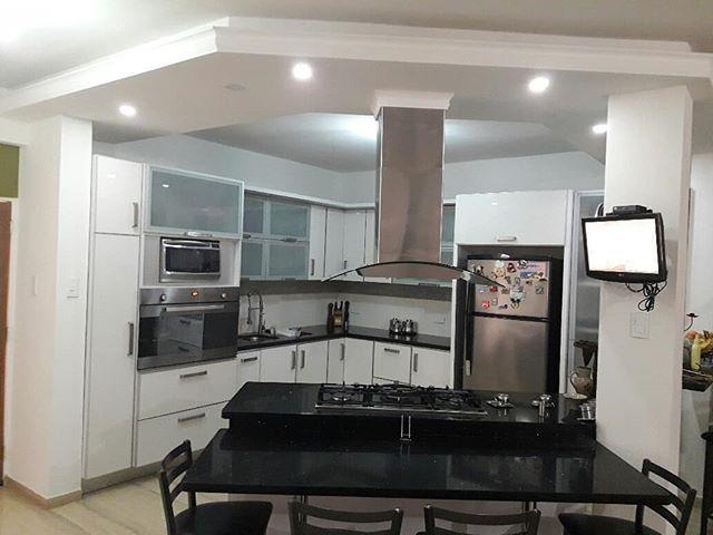 En Venta: Casa Urb. El Remanzo Nueva Barcelona  390mts2  4 Habitaciones  7 Baños  3 Estacionamiento (Cerco Eléctrico Estacionamiento Techado Exclusiva Cocina Piscina Piso de Mármol Tanque de Agua Terraza)  http://ift.tt/2rVy9Zg .. #inmuebledeldia #anzoategui #compra #venta #propiedades #inmueble #casa #apartamento #townhouse #remax #remaxterragold #agenteasociado #yosoyremax #inmobiliaria #realtor#realestate#boom#felizdia#realestateagent#realtorlife#exito#sueños#negocios