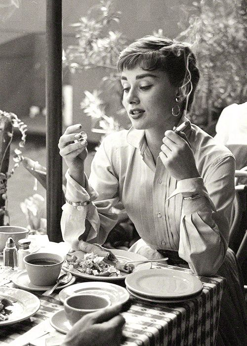 """""""Audrey Hepburn photographed by Earl Theisen for Look magazine. Mexico, 1953 (via) """""""