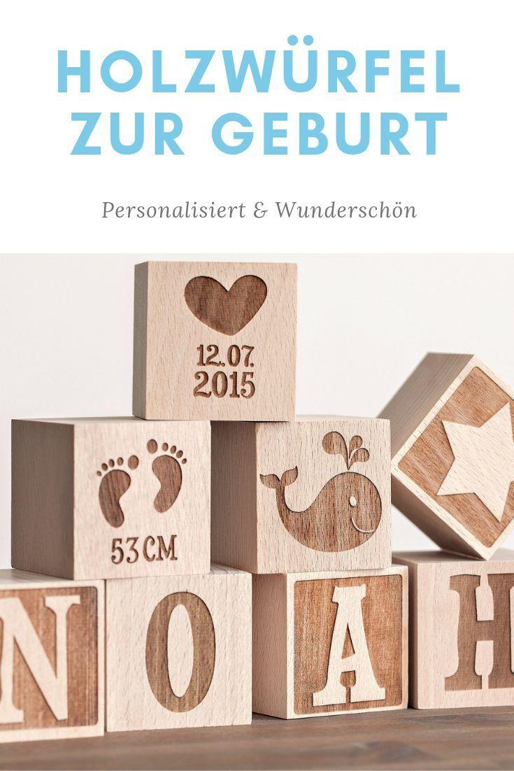 Personalisierte Holzwürfel mit Gravur   – Kleid für Baby