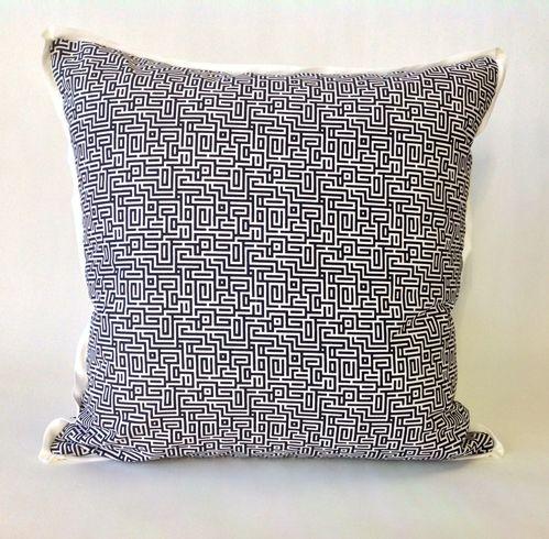 Daniel Stuart Studio - Toss Cushions - Winston / Onyx
