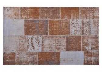 Dit hippe karpet Patchwork van Brix is een toppertje! De vintage stijl en kleurtjes pimpen je hele interieur op! Hoe cool is het op zo'n karpet neer te leggen.