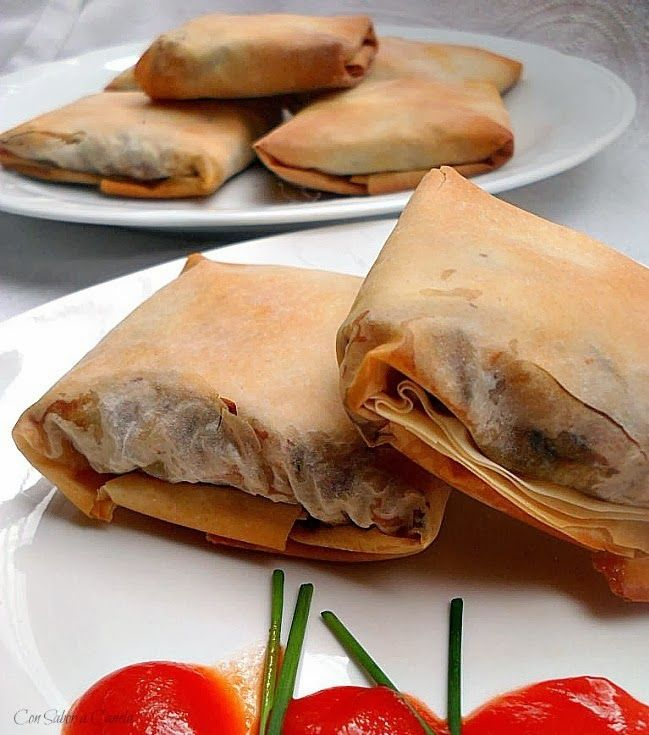 Paquetitos de pasta filo rellena de lacón, setas y queso gallego -Con sabor a canela