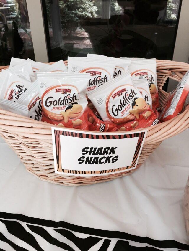Shark snacks #wildkratts