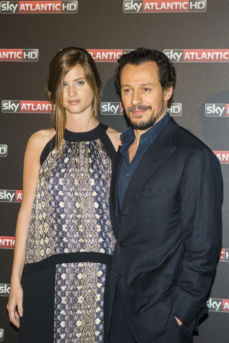 Stefano Accorsi, 1° uscita ufficiale con la nuova fidanzata Bianca. Guarda le foto della coppia innamorata!