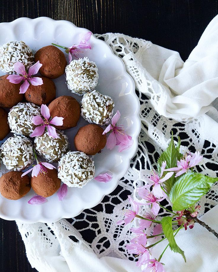 Raw Bliss Balls with Liqurice  & Cacoa
