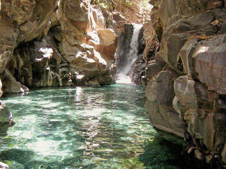 El Manto es un paraíso escondido ubicado en el poblado de El Rosario,  en el estado de Nayarit.