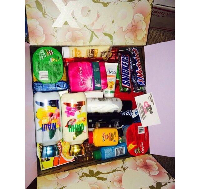 Mother's Day boxes include: Mother's Day theme, ladies hygiene products, bath & body works products, mini red velvet cake in a jar, Mother's Day cookie & a Mother's Day card. Check out www.shippedwithlove.com to order #carepackage #customtheme #mothersday #deployment #army #navy #airforce #marines #college