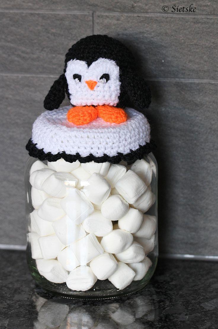 pinguin snoeppotje, free pattern http://sietskeshobbys.blogspot.com/