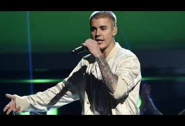 Justin Bieber asks Manchester crowd to 'shut up' during ballads and cuts chat short