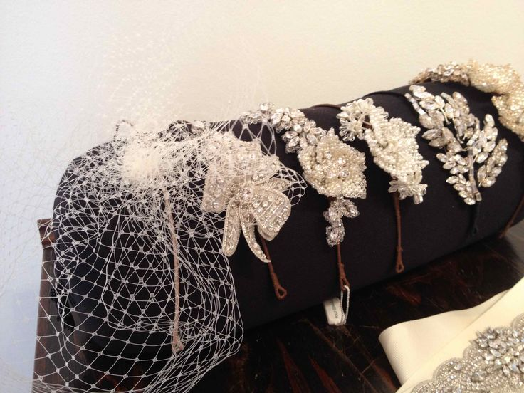 Giling and White Bridal. 50s net hair accessory.