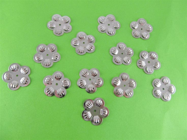 Metal flowers 20mm (15 pcs)