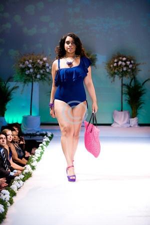 Full Figured Fashion Week™ Finale: Sonsi - Full Figure Plus http://gan.doubleclick.net/gan_click?lid=41000000031419649=21000000000069387