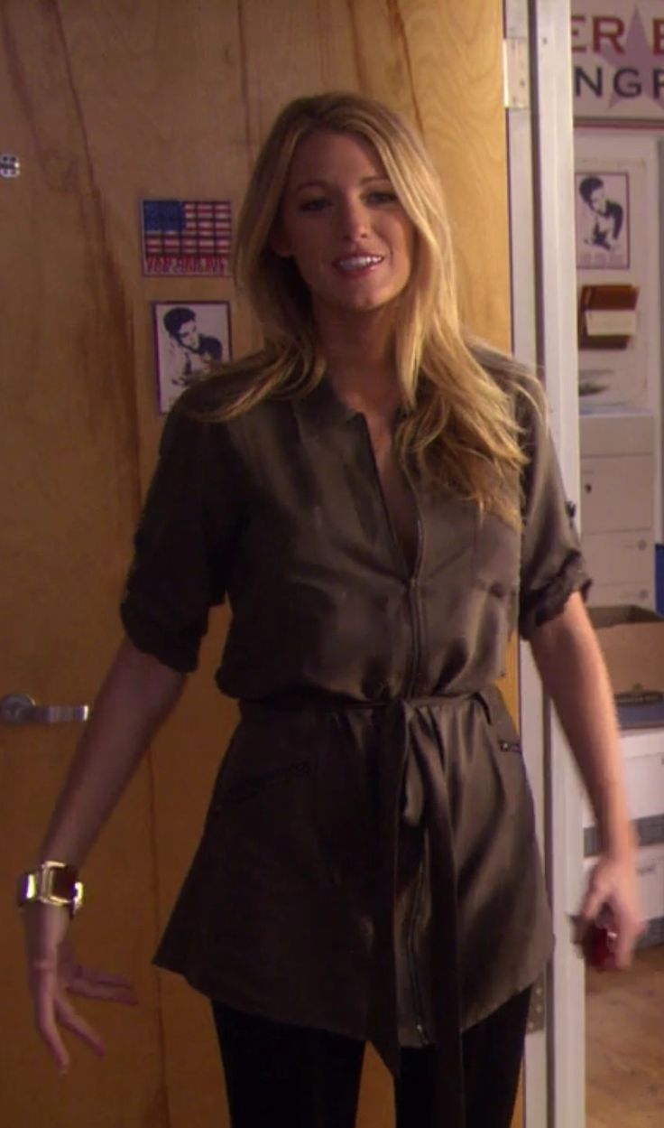 serena van der woodsen gossip girl army green shirt dress gossip girl fashion file pinterest. Black Bedroom Furniture Sets. Home Design Ideas