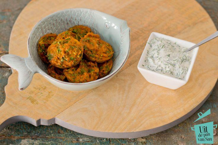 Krabkoekjes met citroen dille saus - Uit de pan van San
