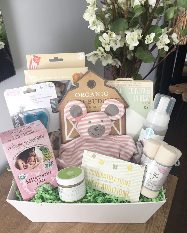 One of our customers asked for the Happy Baby gift basket, but wanted the products to be as organic as possible. A lucky new mama and baby is getting a lovely surprise today! ❤  #canadianmade #newmama #newbaby #babyshowergifts #babyshowersurprise #surprisegift #giftbasket #giftbaskets #giftsforher #babygifts #toronto #mississauga #vancouver #torontogifting #shoplocal #babyboom #healthystart #healthylifestyle #organic #julesbaskets #jules