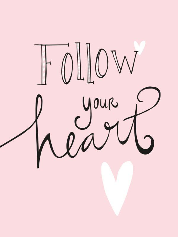 Ansichtkaart Follow your hart Ansichtkaart met quote Follow your hart.