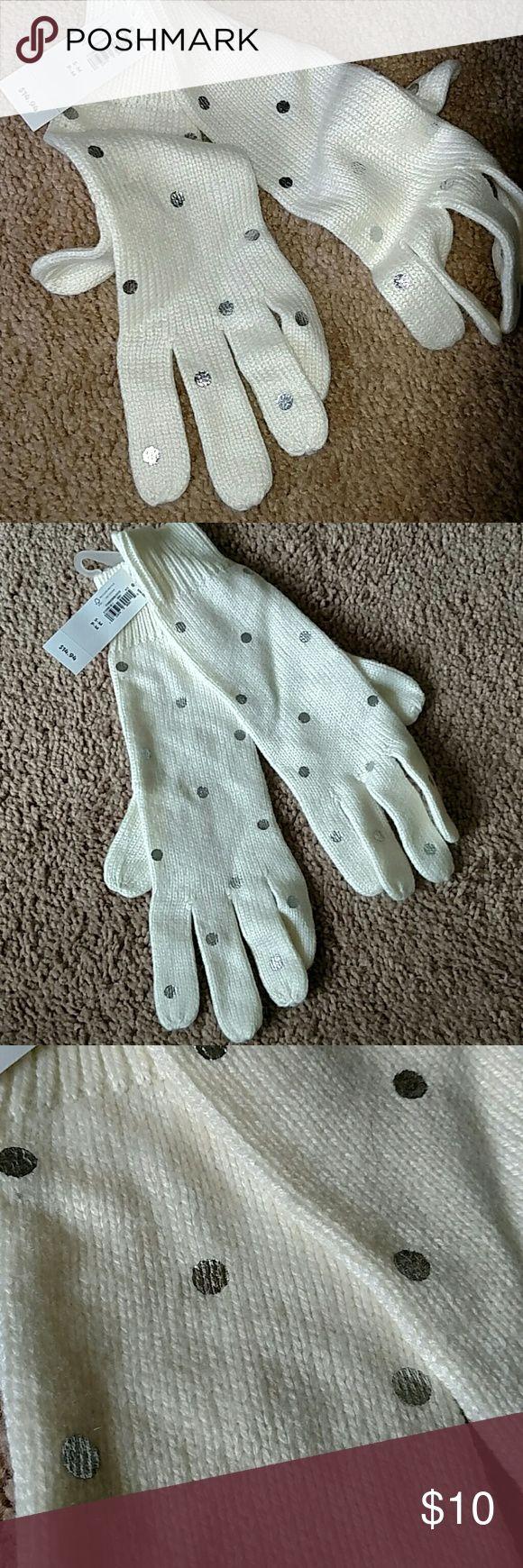 Cream & sliver polka dot gloves Old Navy NWT gloves Old Navy Accessories Gloves & Mittens
