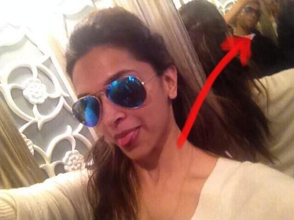 @deepika padukone @RanveerOfficial AHEM AHEM? thanku deepika for nt noticing the mirror, i love u for that cupcake :* http://pbs.twimg.com/media/BmbY5raCEAA_-p6.jpg:large