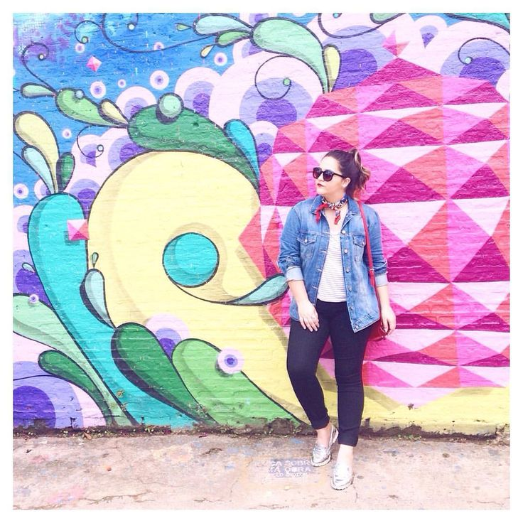 """311 curtidas, 32 comentários - Blah!Blog por Nat Blima (@blah_blog) no Instagram: """"Sobre o #LookBlahBlog que usei pra turistar no início da semana. Cropped Renner, calça C&A, jaqueta…"""""""