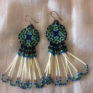Handmade-Native-American-Star-Beaded-Peirced-Earrings-Porcupine-Quills