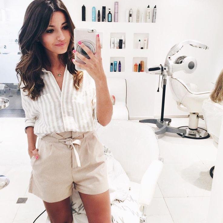 "Alexandra Pereira no Instagram: ""So today I visited the best hairdresser team in town for a cut  Y hoy visité al mejor equipo de peluqueros para un corte @newlookbarcelona #lovelypepa #beauty #hair"""