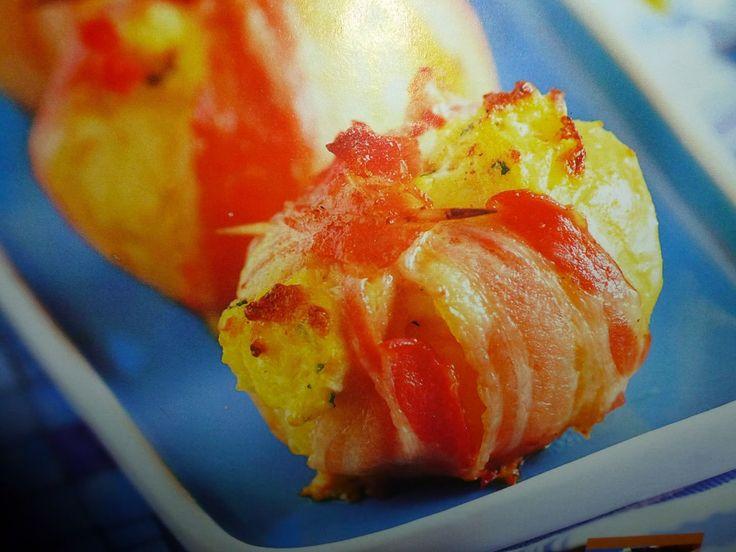 un mondo di ricette: gusci croccanti con uova strapazzate e bacon
