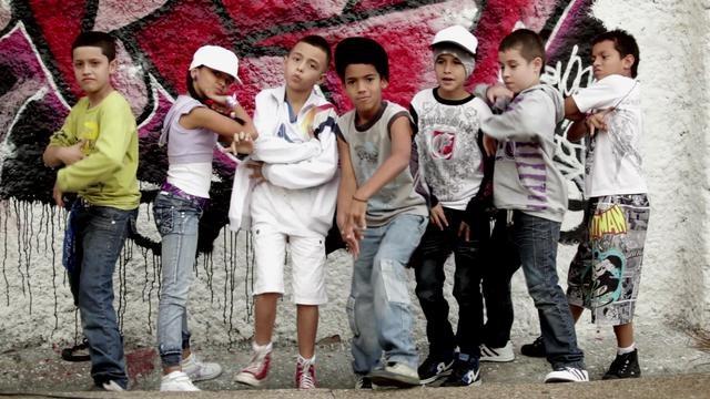Un grupo de Hip Hop del barrio de Aranjuez de Medellín, una escuela que convoca cerca de 200 jóvenes que le apuestan a la cultura.
