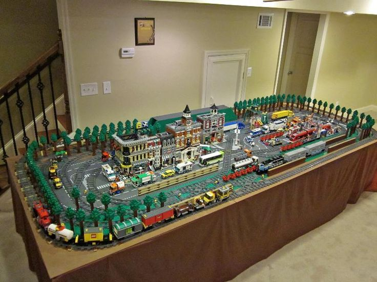 183 best legos trains images on pinterest lego trains for Table design lego