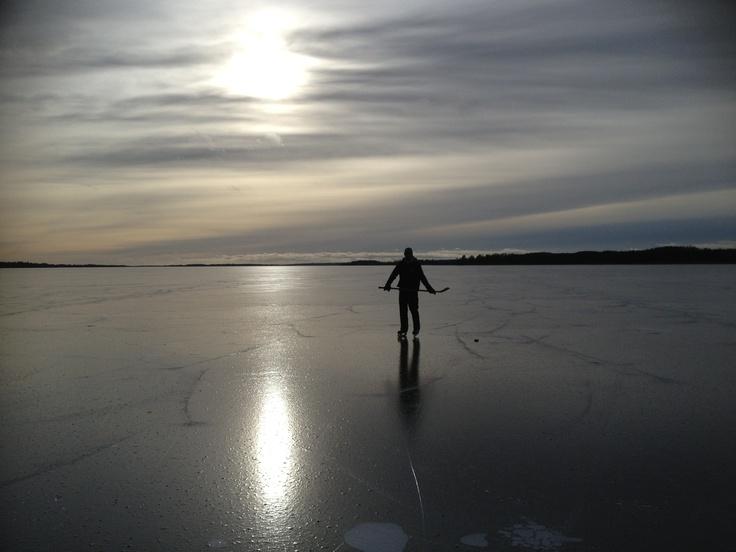 Shot by Canon500D EOS skating at Vidöstern, Värnamo this winter.