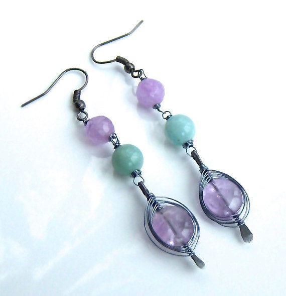 Boucles d'oreille wire wrap avec une perle d'amétyste par Adrimag