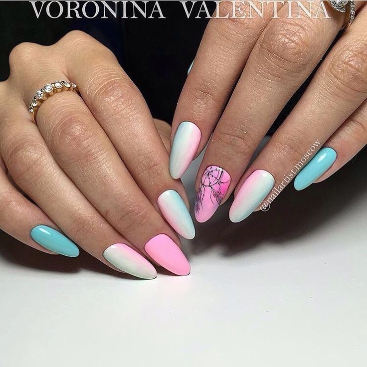 Almond-shaped nails, Beautiful nails 2017, Bright colorful nails, Dreamcatcher nails, Ethnic nails, Gradient nails with a transition, Long nails, Nails shellac gradient